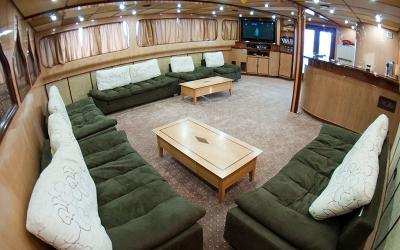 Salon boat Andromeda