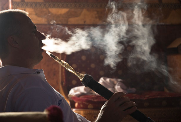 Smoking sisha