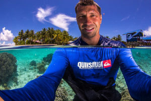 how to make selfie underwater