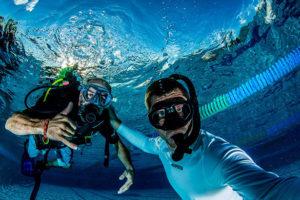 perfect underwater selfie